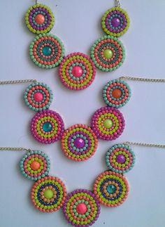 COLLAR CIRCULOS (2) Seed Bead Necklace, Diy Necklace, Beaded Earrings, Beaded Jewelry, Crochet Earrings, Jewellery, Jewelry Patterns, Beading Patterns, Pochette Diy