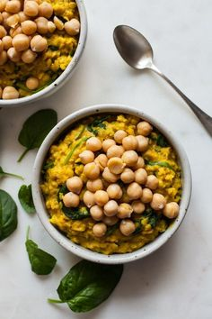 These savory turmeric chickpea oats are so easy to make, not to mention packed with protein, fiber, and iron. A perfect vegan breakfast! High Protein Breakfast, Savory Breakfast, Vegan Breakfast Recipes, Vegetarian Recipes, Healthy Recipes, Breakfast Ideas, Chickpea Recipes, Breakfast Smoothies, Healthy Breakfasts