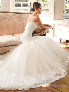 Delicate Wedding Dress With Beadings & Lace Appliques Delicate Wedding Dress, Drop Waist Wedding Dress, Strapless Lace Wedding Dress, Wedding Dress Sizes, Bridal Wedding Dresses, Dream Wedding Dresses, Bridal Style, Elegant Wedding, Wedding Bride
