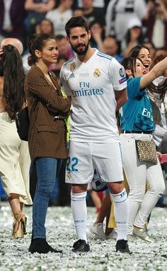 MADRID, SPAIN - MAY Real Madrid football player Isco Alarcon and Sara Salamo during the Real Madrid team celebration after winning their European Cup on May 2018 in Madrid, Spain. (Photo by Europa Press/Europa Press via Getty Images) Cute Couples Football, Football Wags, Soccer Couples, Soccer Guys, Football Icon, Cute Couples Goals, Football Players, Isco Real Madrid, Real Madrid Team