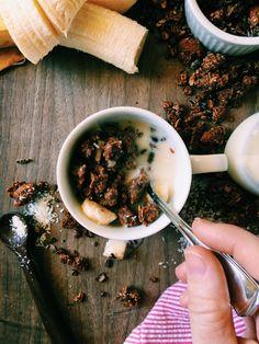 double chocolate + banana superfood granola | Recipe via DisplacedHousewife