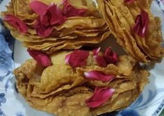 Great recipe for Pragris. The most yummiest sweet any Indian can savour every HOLI. Holi Recipes, Desi Ghee, Clarified Butter Ghee, Oil For Deep Frying, Your Recipe, Great Recipes, Indian, Breakfast, Sweet