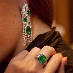Instagram media hernameismargo - Morning sunshines! My emerald journey is going on!:) A person who chooses this stone as their key jewel usually has a fairly calm character and gets on well with people. Learn more at www.margoraffaelli.com On the picture I'm wearing @cartier jewelry from #Royalcollection #cartier ❤️ Photo credit: @natalishaeva for @hernameismargo