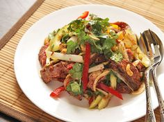 Steak Salad with Cucumber, Peppers, and Spicy Fish Sauce Vinaigrette | Serious Eats : Recipes