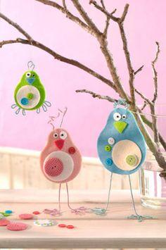 Verrückte Filzvögel zu Ostern. Osterbasteln mit Kindern. Noch mehr Ideen gibt es auf www.Spaaz.de