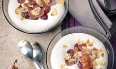 Weissweincrème mit Trauben - Rezepte - Schweizer Milch Panna Cotta, Food And Drink, Ethnic Recipes, Swiss Guard, Milk, Wine, Food And Drinks, Simple