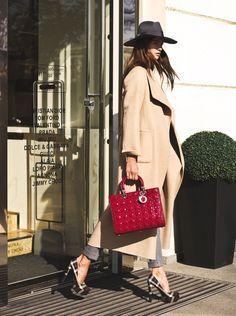 No 1 от Эллы Кандыбы - идеальное пальто от Loro Piana На Элле: пальто Loro Piana, брюки Loro Piana, обувь Prada, шляпа Gucci