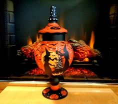 HALLOWEEN WITCHES* BLACK CATS APOTHECARY PEDESTALED JAR HP* by* Peggy G