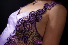 """Abbito """"Viola""""  Tessuto di cotone ellasticezzato e Merletto irlandesee, fatto al uncinetto ."""