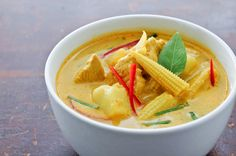 Yellow Curry (Sesame Oil, Chicken Breast, Yellow Onion, Garlic, Ginger, Fish Sauce, Brown Sugar, Yellow Curry Paste, Coconut Milk, Water, Golden Potatoes, Baby Corn, Julienne Jalapeno and Red Hot Peppers)