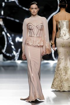 Maya Hansen Otoño Invierno 2016/2017 - Foto 4 Couture Fashion, Runway Fashion, Fashion Show, Fashion Looks, Designer Evening Gowns, Evening Dresses, Beautiful Gowns, Beautiful Outfits, Couture Dresses