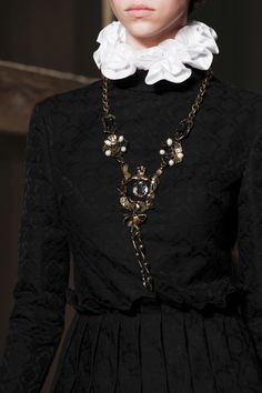 See the Valentino Fall 2016 Couture collection close up.