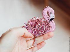 """Купить Вышитая брошь птичка """"Фламинго"""" - брошь птичка, вышитая брошь, украшение с вышивкой"""