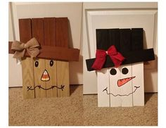 Image 1 of 17 from gallery of Easy DIY Wood Pallet Projects to Boost Your Creativity. Reversible scarecrow snowman pallet slats was handmade project made by inspiredartcrafts and good for indoor use or in a covered area outdoors to avoid weathering Fall Halloween, Halloween Crafts, Holiday Crafts, Holiday Fun, Christmas Crafts, Christmas Decorations, Holiday Signs, Pallet Crafts, Wood Crafts
