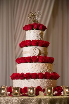 wedding cakes red Four tier cream wedding cake red roses mr and mrs cake topper Cream Wedding Cakes, Wedding Cake Red, Red Rose Wedding, Themed Wedding Cakes, Beautiful Wedding Cakes, Wedding Cake Designs, Wedding Cakes With Roses, Maroon Wedding, Wedding Black