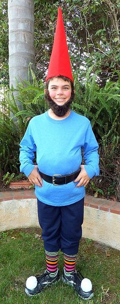 Garden Gnome: Dress up as a garden gnome, and look perfectly at ease on any lawn. What you need to do: Get a baby blue long-sleeved shirt, brown belt, dark denim jeans, and red felt and cardboard to make the hat. You can make your beard a variety of ways using felt or even yarn. Source: Imgur user flying_monkies
