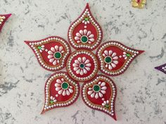 Diwali Diy, Diwali Craft, Arti Thali Decoration, Indian Drawing, Acrylic Rangoli, Diwali Decorations At Home, Rangoli Designs Diwali, Paper Quilling Designs, Pom Pom Crafts