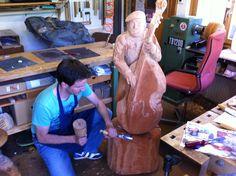 Musician sculpture made of wood by Melchior Trummer