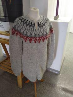 Zip, Sweaters, Fashion, Moda, Fashion Styles, Sweater, Fashion Illustrations, Sweatshirts, Pullover Sweaters