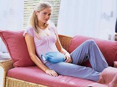 Blasenentzündung (akute Zystitis) Brennen und Schmerzen beim Wasserlassen – viele Frauen kennen diese Symptome einer Blasenentzündung. Manchmal genügen bei einer akuten Zystitis Hausmittel zur Therapie, in anderen Fällen müssen es Antibiotika sein