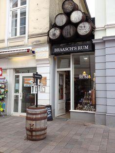 #Flensburg, vielversprechender Laden - wäre ich in dieser Disziplin noch am Start. http://www.gluecksburg-urlaub.de