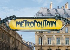 Sign for the Paris M