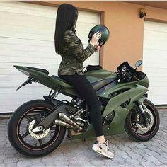Proprietário PopStar e Morro - 04 - Bike - Motos Biker Chick, Biker Girl, Girl Motorcycle, Motorcycle Tips, Motorcycle Quotes, Female Motorcycle Riders, Motorcycle Touring, Super Bikes, Yzf R125