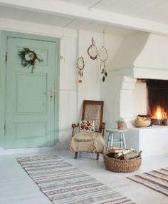 Roser og Patina: cosy yet minimalist room Scandinavian Interior, Home Interior, Interior And Exterior, Interior Decorating, Interior Design, Cabins And Cottages, Cottage Interiors, Home And Living, Interior Inspiration