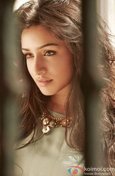 Shraddha Kapoor photos gallery with her latest images and stills. One of the hottest actress of bollywood. Check out her latest hot photos only on koimoi. Most Beautiful Faces, Most Beautiful Indian Actress, Beautiful Actresses, Gorgeous Women, Bollywood Heroine, Bollywood Actress, Indian Celebrities, Bollywood Celebrities, Shraddha Kapoor Cute