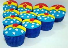 Wonderwoman cupcakes Mix them up with plain red, blue and yellow Wonder Woman Cake, Wonder Woman Birthday, Wonder Woman Party, Birthday Woman, Anniversaire Wonder Woman, Birthday Cupcakes For Women, Girl Superhero Party, Cupcakes Decorados, 4th Birthday Parties