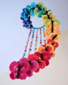 Crochet Mobile! Bountiful Butterflies, by Marken of the Hat & I, via Ravelry Tutorial ༺✿ƬⱤღ https://www.pinterest.com/teretegui/✿༻