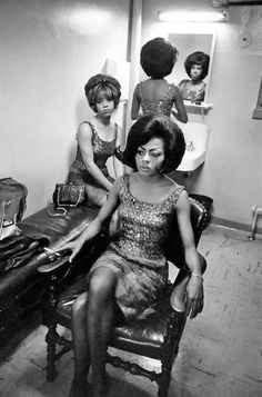 Diana Ross / The Supremes waiting to go on stage, 1960's. ☀