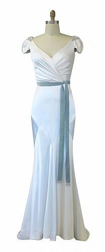 KAREN WILLIS HOLMES - 'Sasha' Wedding Gown #karenwillisholmes #bridalgowns #weddingdresses #designerweddingdress #newyorkweddings
