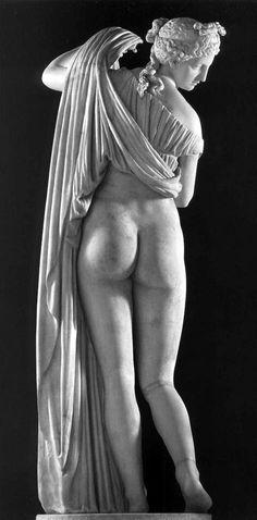 Afrodite Callipige, (Aphrodite Kallipygos), ossia Afrodite dalle belle (kalli) natiche (pygos), metà del II secolo d.c., collezione farnese, museo archeologico nazionale di Napoli