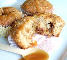 These Healthy Apple Muffins Recipe are not only delicious but are a perfect after school snack for the kids and are good for you too! Pumpkin Apple Recipe, Apple Recipes, Muffin Recipes, Breakfast Recipes, Dessert Recipes, Breakfast Ideas, Drink Recipes, Cake Recipes, Caramel Apple Cookies