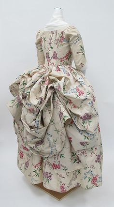 Robe à la Polonaise (Back -Side View) Date: ca. 1780 Culture: French Medium: silk Dimensions: Length at CB (a): 69 1/4 in. (175.9 cm) Length at CB (b): 37 in. (94 cm) Credit Line: Purchase, Mr. and Mrs. Alan S. Davis Gift, 1976 Accession Number: 1976.146a, b
