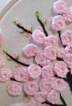 Basic Embroidery Stitches, Hand Embroidery Videos, Embroidery Stitches Tutorial, Embroidery Flowers Pattern, Creative Embroidery, Silk Ribbon Embroidery, Crewel Embroidery, Learn Embroidery, Hand Embroidery Designs