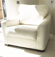 Perl Love seat in real leather fabric. See this and other sofas at kilbrae.com