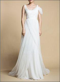Asymmetrical tulle dress for a summer wedding