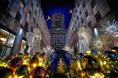 Christmas at Rockefeller Center by paul brake - New York City Feelings Christmas Scenery, New York Christmas, Rockefeller Center, Chrysler Building, City That Never Sleeps, Central Park, Brooklyn Bridge, Empire State Building, Statue Of Liberty
