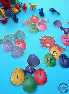 Dinosaur Subitizing Activity for preschool or kindergarten. Dinosaur Classroom, Dinosaur Theme Preschool, Dinosaur Alphabet, Dinosaur Activities, Dinosaur Toys, Preschool Themes, Preschool Crafts, Diy Crafts, Subitizing Activities