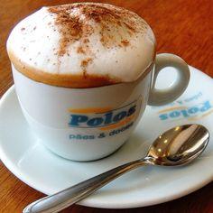 Vai uma canelinha aí!! #cafepolos#cafegoiania#goiania (em Polos pães e doces)