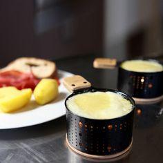 Raclette 4 sets individuels en métal noir et bois Lumi Cookut
