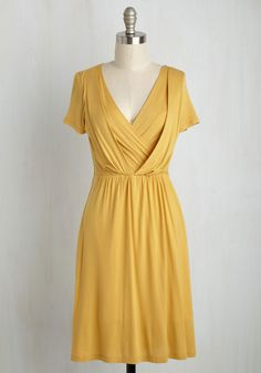 Apres la Soiree Dress in Marigold. Once youve slipped out of your gown and stepped down from your stilettos, grab a late snack with friends in this soft, jersey knit dress! Casual Day Dresses, Unique Dresses, Stylish Dresses, Cute Dresses, Fashion Dresses, Summer Dresses, Dresser, Jersey Knit Dress, Retro Vintage Dresses