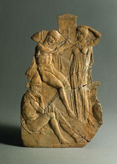 Melisches Relief: Orestes and Electra at her father's grave Agamemnom. 1 Half 5th Century BC. © Foto: Antikensammlung der Staatlichen Museen zu Berlin - Preußischer Kulturbesitz