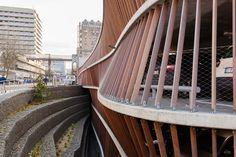 Parkeergarage Cliniques Universitaires Saint-Luc - ism Modulo - hout - canyon #dJGAarchitecten