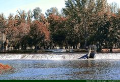"""El río Águeda a su paso por Ciudad Rodrigo (Salamanca, Spain) -Imágenes -01 El río Águeda tiene a su paso por Ciudad Rodrigo preciosos parajes, """"La pesquera"""" -una pequeña presa que retiene el cauda..."""