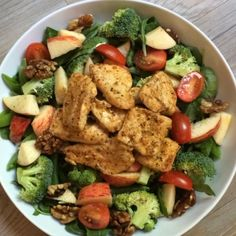 "170 Likes, 19 Comments - Joe Wicks #Leanin15 (@thebodycoach) on Instagram: ""Try this chicken breast with raw super greens salad, apple and walnuts! #leanin15 #thebodycoach…"""
