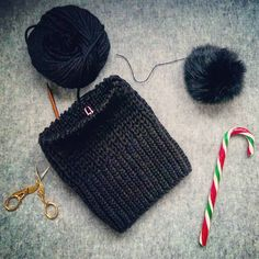 #dziejesie #instaknit #winter #handmade #woolen #seamless #hat #beanie #with #fluffy #bobble #in #progress #englishrib #candycane #alpaca #katiayarns #my #hobby