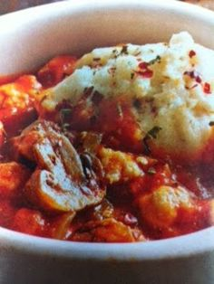 Easy crockpot recipes: Pizza Stew with Biscuits Crockpot Recipe